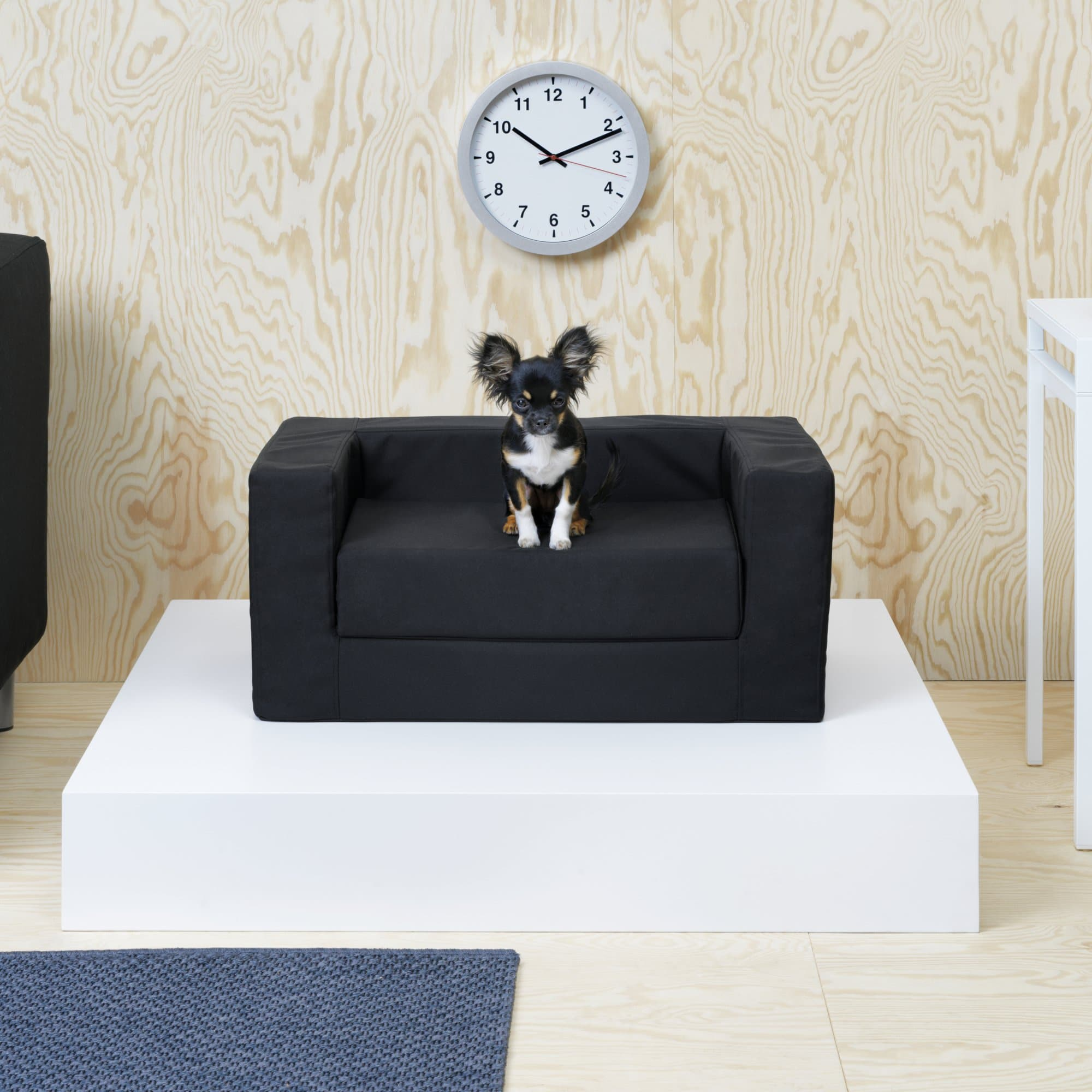 ikea lance sa premi re collection pour animaux. Black Bedroom Furniture Sets. Home Design Ideas